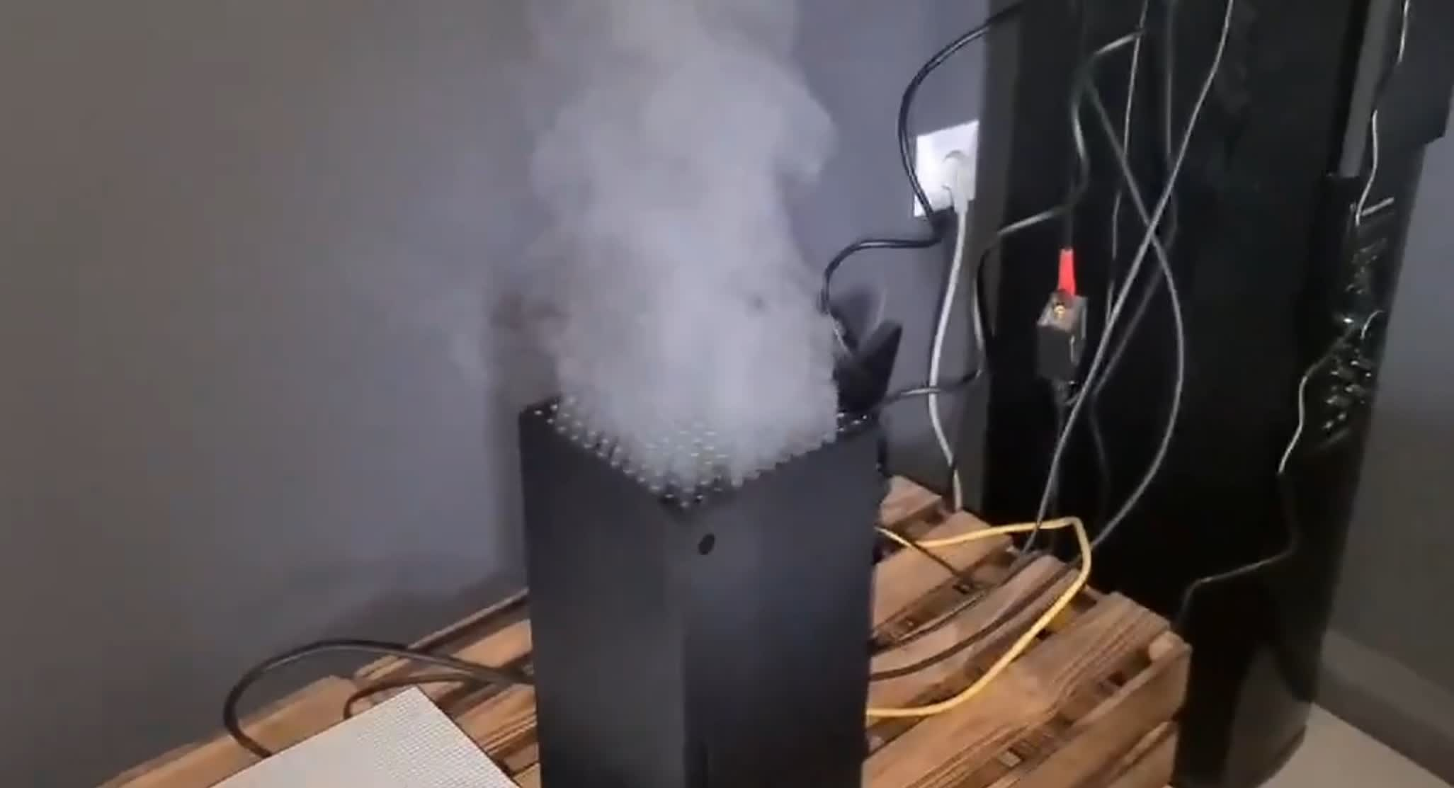 Smoking Xbox Series X